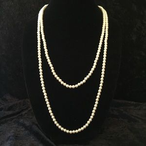 Jewelry - Vintage Long Faux Pearl Necklace N012